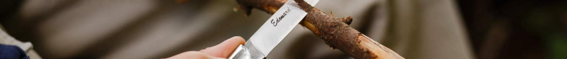 How do you resharp a K Sabatier Knife with a sharpening steel ?